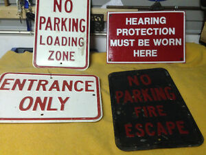 4 VINTAGE HEAVY METAL TRAFFIC CONSTRUCTION SIGNS -
