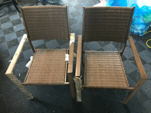2-pc NEW Wicker chair set (rust and weather resistant)