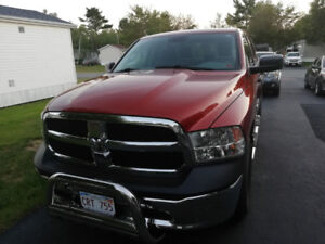 2013 Dodge Ram 1500 5.7 l Hemi Excellent Condition!