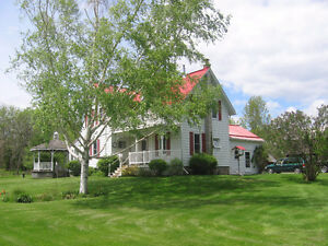 RURAL CENTURY HOME ON OUTSKIRTS OF TRENTON FOR LEASE