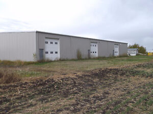 AVAILABLE FOR RENT OR FOR SALE 9000sq'warehouse and mobile home