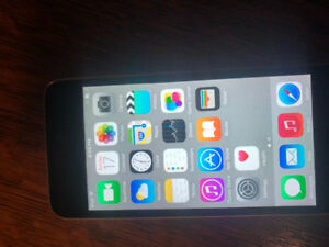 iPod Touch 16GB 5th Gen - Excellent condition