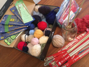 Knitting needles, accessories and wool