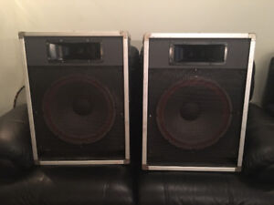 ***PRICE DROP*** Traynor CS115H PA Speakers