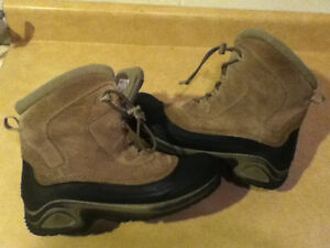 Youth Columbia Bugaboot Winter Boots Size 7 London Ontario image 6