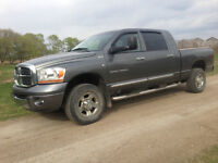 2006 Dodge Power Ram 2500 mega Cab laramie
