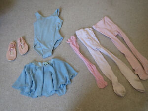Size 6x girls ballet outfit with size 11 slippers fit at age 3