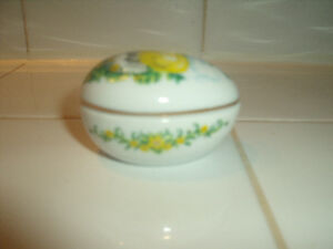 Franklin Mint Porcelain Egg China w/Box Chick Duck Trinket Dish