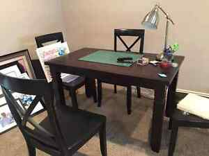 Dinning table with 4 chairs for sale