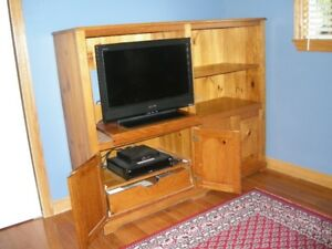 SOLID PINE TV UNIT IN CABINET
