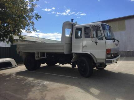 1988 White Hino Tipper for sale registered to 21/8/18