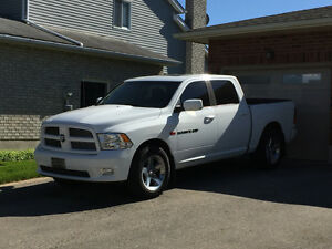 2011 FULLY LOADED Dodge Power Ram 1500 Pickup Truck