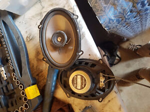 2 pioneer 5x7 door speakers