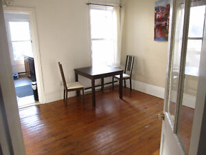 5 Bedroom Student House Downtown May 1st