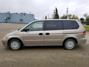 Selling 2003 Honda Odyssey Only 215000k