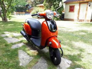 Honda Giorno 2015 - Comme neuf - couleur cuivre