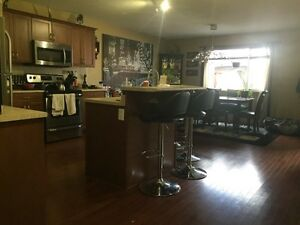 Room 4 rent, upscale Southside home, all incl PVR in your room!