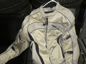 extra large motorcycle jacket never worn tags are still on