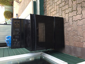 Stove & over range microwave - needs TLC but everything works