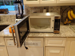 Danby Designer 0.7 cu. ft. stainless steel microwave LIKE NEW