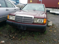 Selling PARTS for W124 190E Mercedes Benz