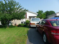 Gananoque 2 Bedroom Duplex Large Private Yard