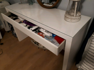 coiffeuse maquilleuse Blanche Malm IKEA