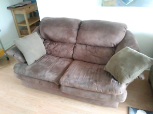 Free couches pick up only