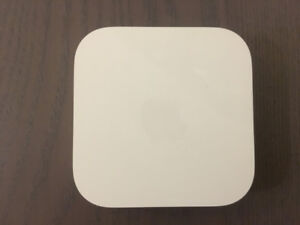 Apple Airport Express 2nd Gen (Mint Condition)
