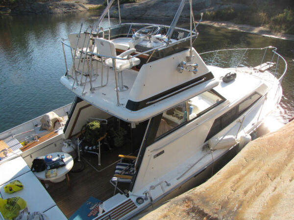 Used 1976 Trojan Yacht F-30 Flybridge