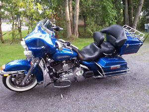 Harley Davidson FLHTCI Priced to sell
