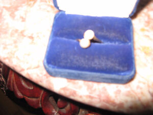 Ladies Gold Double Pearl Ring