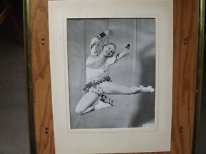"""FS: """"Ice Cycles Of 1952"""" (Ice Capades) Figure Skating Signed Pho London Ontario image 1"""