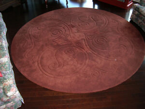 Tapis rond de 108 pouces de diamètre - Round Carpet of 108 inch. West Island Greater Montréal image 2
