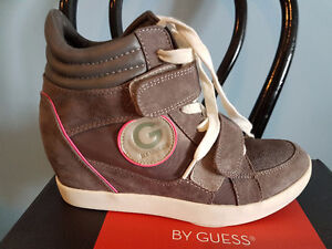 Plateforme G by Guess