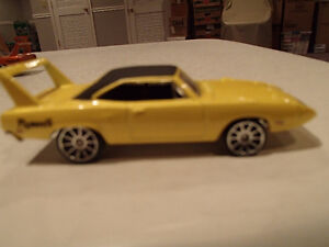 Loose 3 Hot Wheels 1970 Plymouth Superbird 1:64 diecast car. Sarnia Sarnia Area image 3