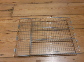 Cutlery Organiser: Metalic mesh