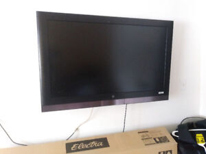 TV 42 INCHES. WESTING HOUSE TV