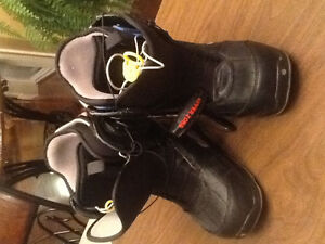 G Burton snowboarding boots size 7 U.S.