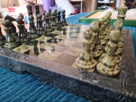 Stunning HARRODS MARBLE Chess Set '1968 in calf leather case, BEAUTY!!
