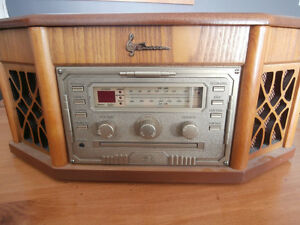 Vintage turntable with radio, CD and cassette player
