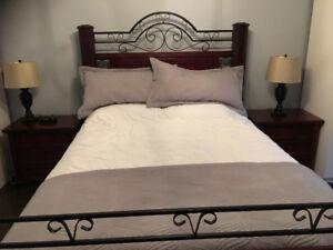 Beautiful Cherry wood 5 piece queen bedroom set.
