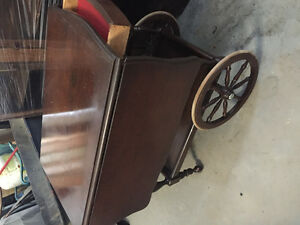 Vintage wooden tea cart with wagon wheels $100 ono