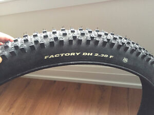 """TIOGA FACTORY DH 2.3 Front Tire 26"""""""
