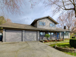 Stunning 3bd3bth-Immaculately Updated & Maintained Home