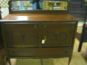 1920's Sideboard Buffet w/ Mirror Back Best Offer London Ontario image 2