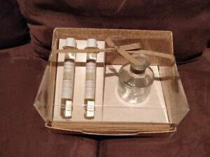 Brand NEW Reed Diffuser Gift Set