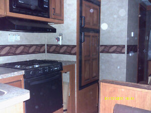 2013 Palomino Sabre 35ft Travel Trailer - For Parts Only