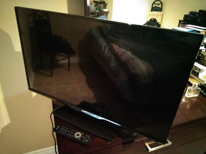"Philips 32"" LED TV (32PFL5708/F7)"