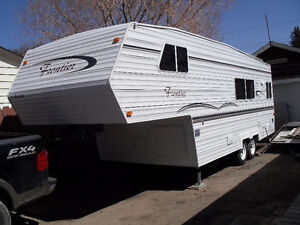 FOR SALE! immaculate Frontier Fifth Wheel Camper